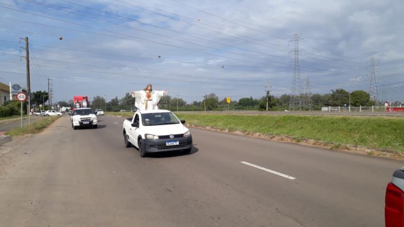 FOTOS: Carreata em homenagem a São Jorge Guerreiro percorre principais ruas de Santa Cruz