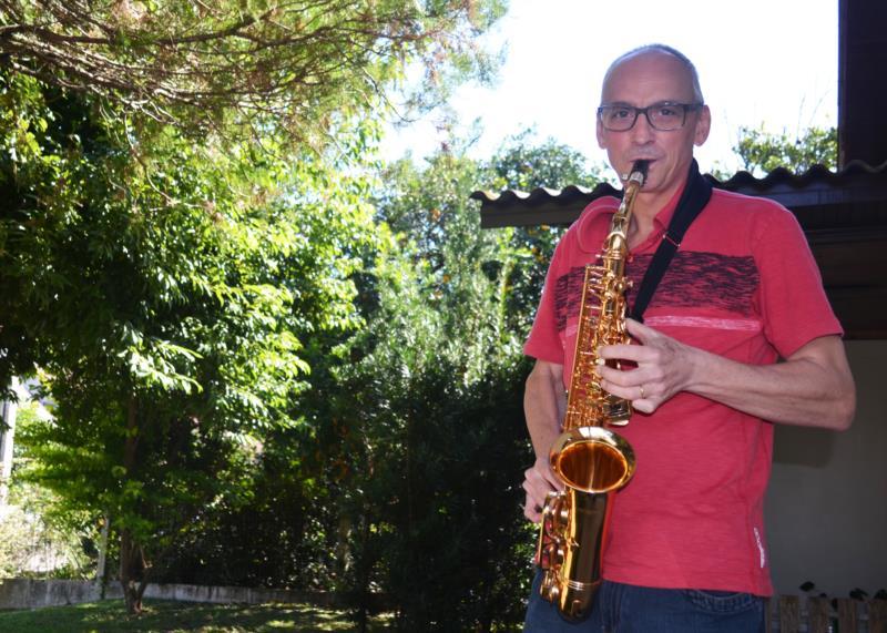 Milton quer voltar a tocar saxofone