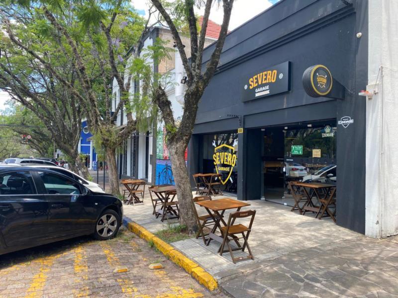 Agora, bares e restaurantes podem colocar cadeiras e mesas em vias públicas