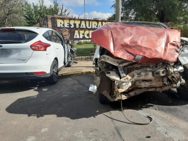 Duas mulheres ficaram feridas na colisão