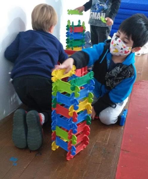 Retomada das aulas é marcada por muita brincadeira e alegria