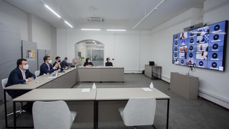 Governador Leite e secretários realizaram reunião com deputados e prefeitos por videoconferência