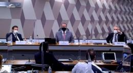 Reunião da CPI da Covid é suspensa após troca de ofensas entre Flávio Bolsonaro e Renan Calheiros