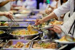 Prefeitura autoriza autosserviço em buffet's de Santa Cruz