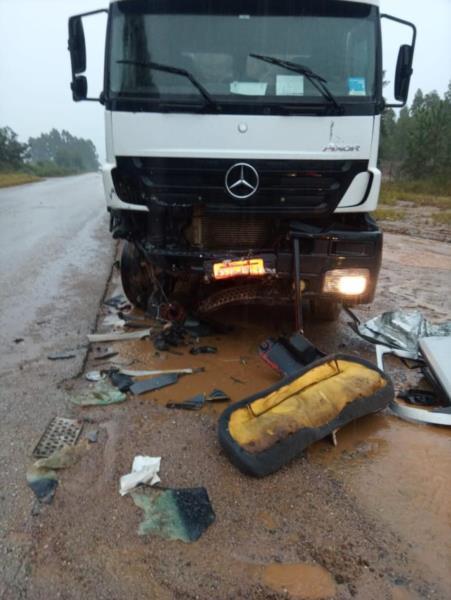 O condutor do caminhão não se feriu