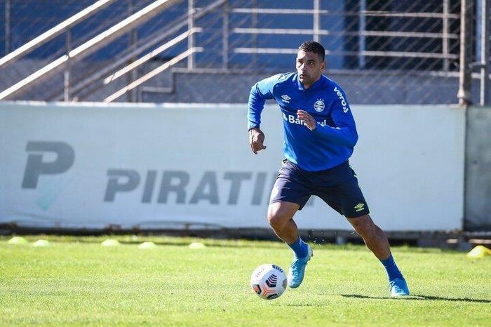 Diego Souza é um dos atletas que testaram positivo