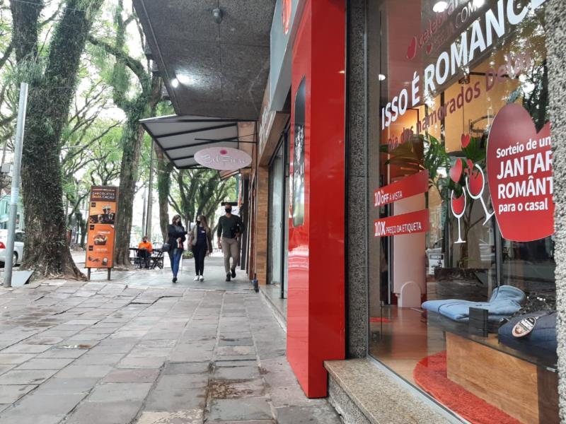 Lojistas apostam em promoções para atrair clientes