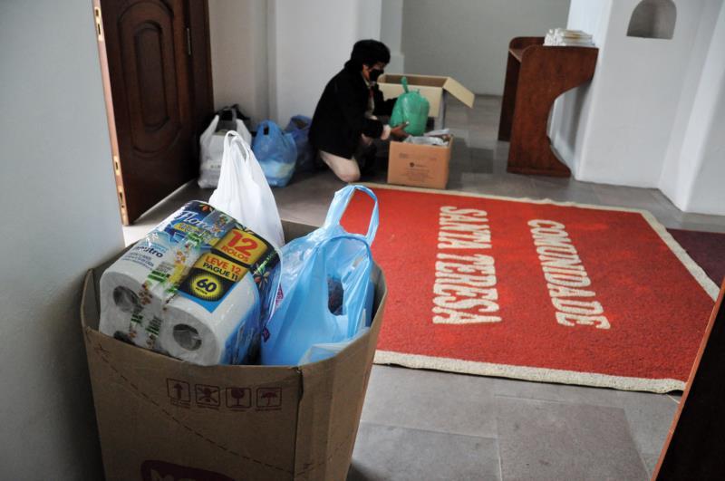 Fiéis são convidados a fazer doações em prol dos necessitados