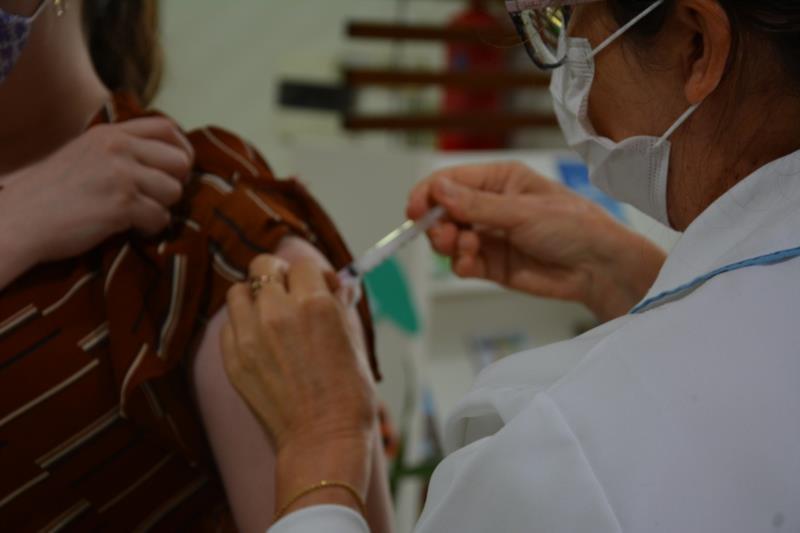 Santa Cruz retomará imunização contra a Covid-19 na segunda-feira