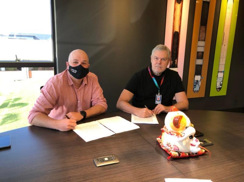 Contrato foi assinado na manhã desta sexta-feira (4)