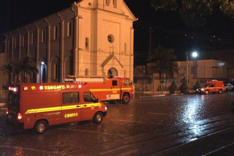 Igreja Matriz Santa Teresa foi atingida pelo sinistro