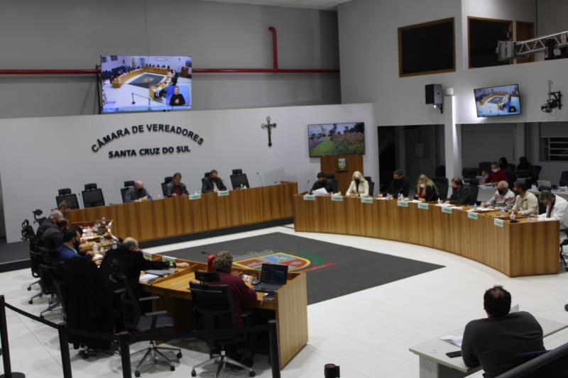 Legislativo recebe 13 novas matérias para a sessão de segunda-feira