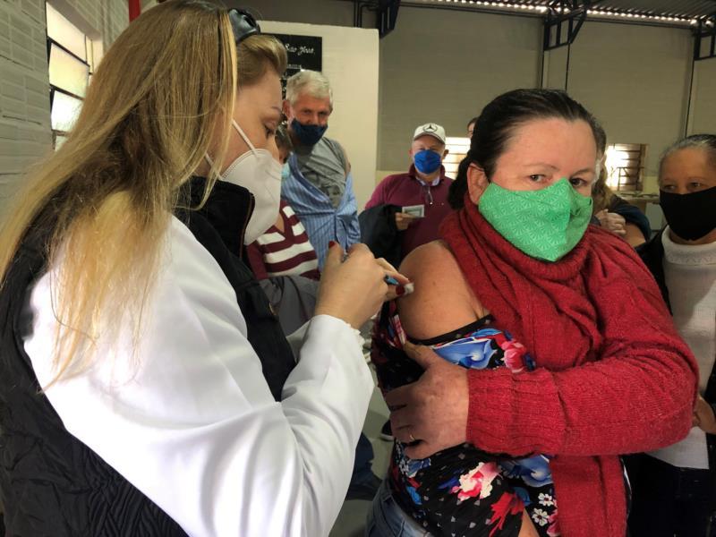 Vale do Sol: vacinação da primeira dose prossegue nesta terça