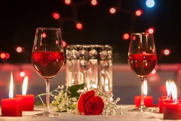 Dia dos Namorados costuma movimentar bares e restaurantes de Santa Cruz