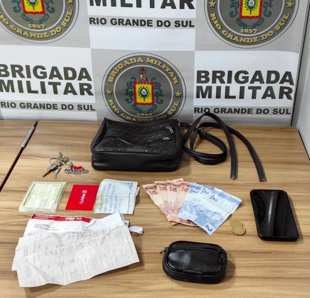 Itens roubados da vítima foram recuperados