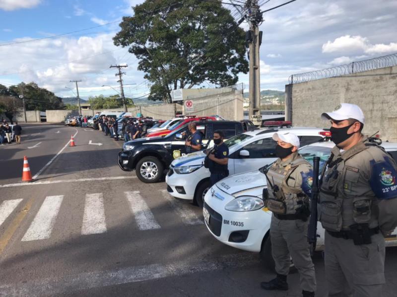 Mobilização ocorreu em frente ao Presídio Regional