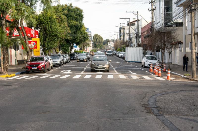 Canteiro localizado em frente à agência dos Correios foi retirado