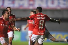 Fora de casa, Inter vence o Bahia