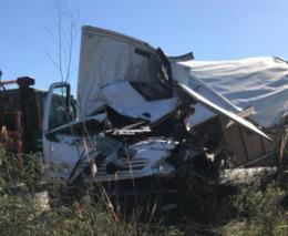 Acidente entre dois caminhões deixa um homem morto na RSC-471