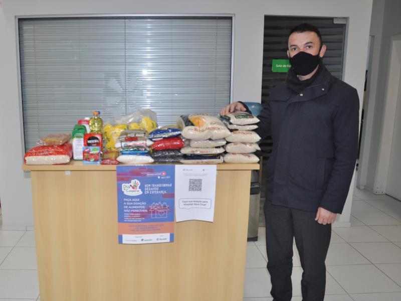 Em Vera Cruz, agência do Sicredi vem recebendo doações de cooperados