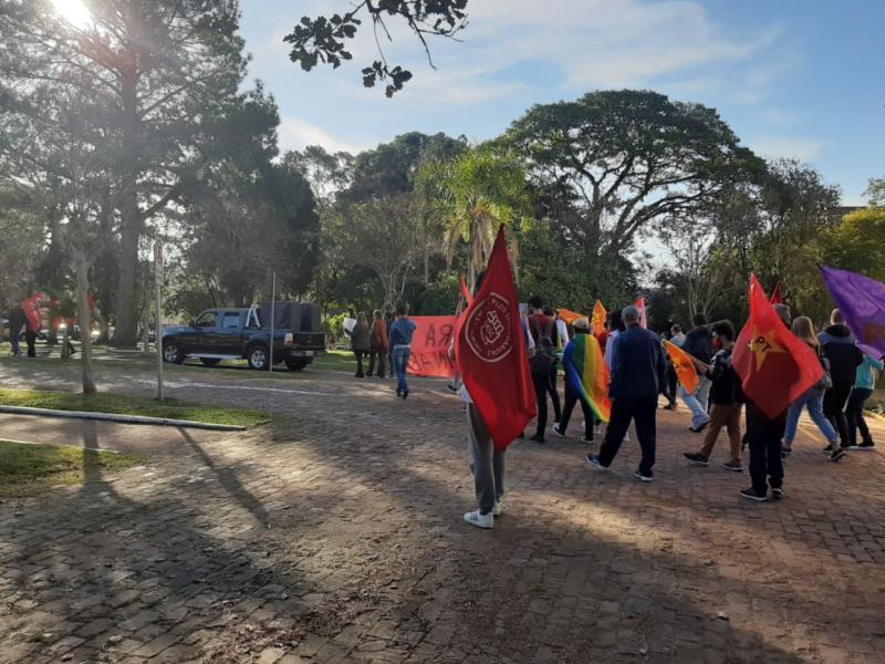 FOTOS: Manifestantes realizam ato contra o Governo Bolsonaro em Santa Cruz