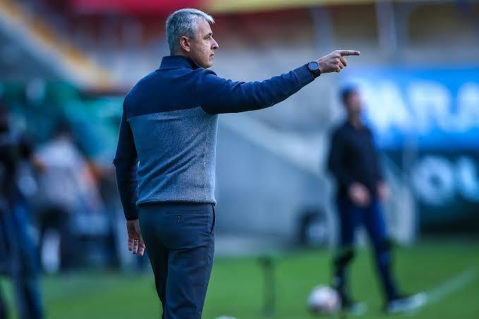 Tiago Nunes não é mais técnico do Grêmio