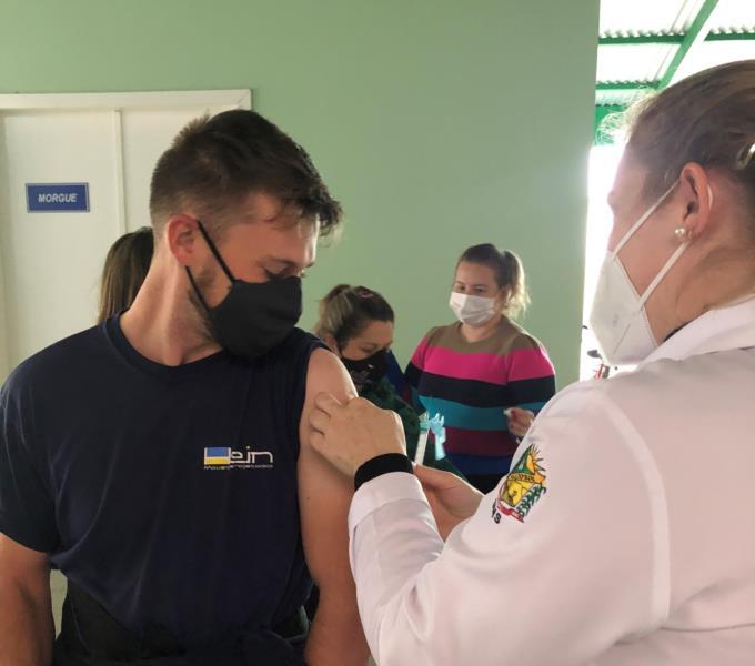 Pessoas com 35 anos ou mais podem se vacinar nesta sexta em Vale do Sol