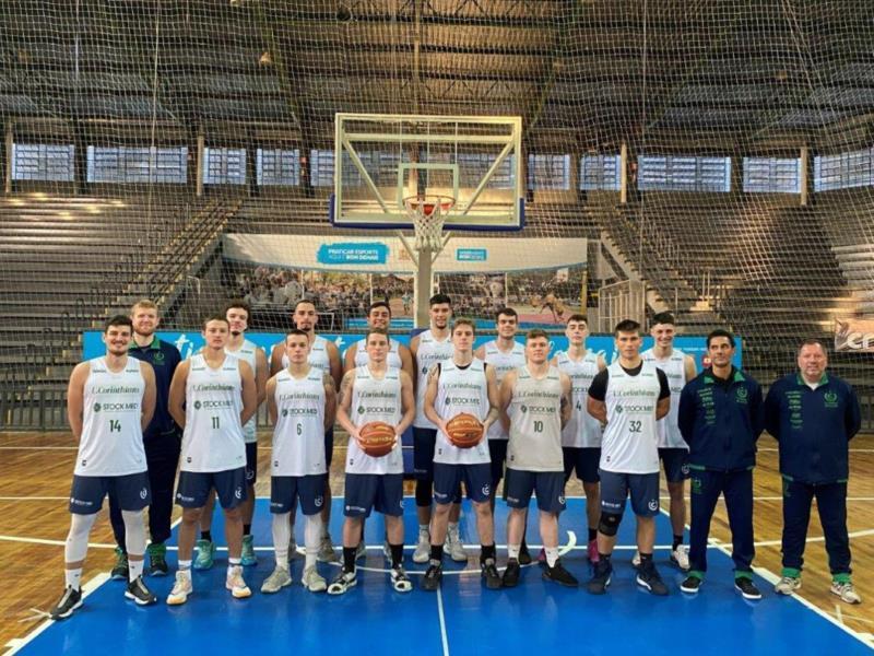 Equipe santa-cruzense conta com um elenco formado por atletas entre 18 e 22 anos