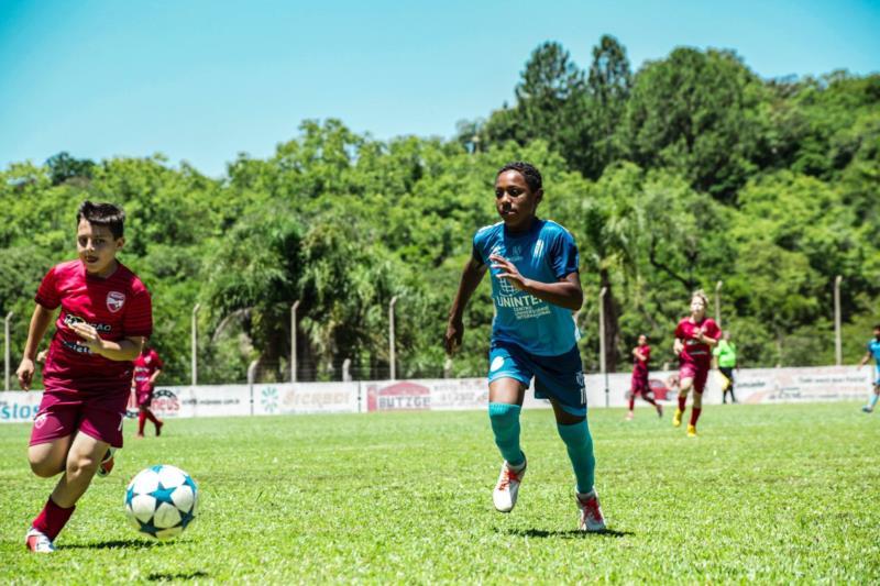 Festival dos Vales de Futebol de Base ocorre neste domingo em Santa Cruz