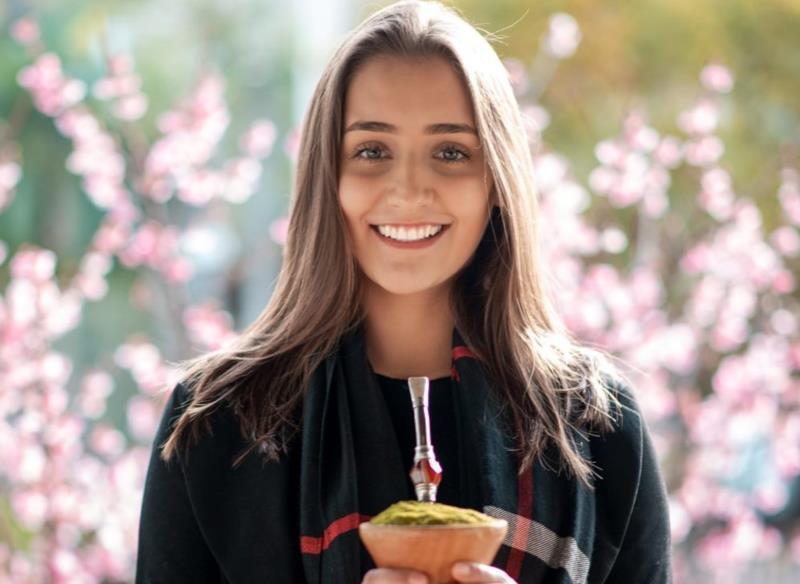 Katiélen Barden é a décima candidata apresentada no concurso de soberanas da Fenachim
