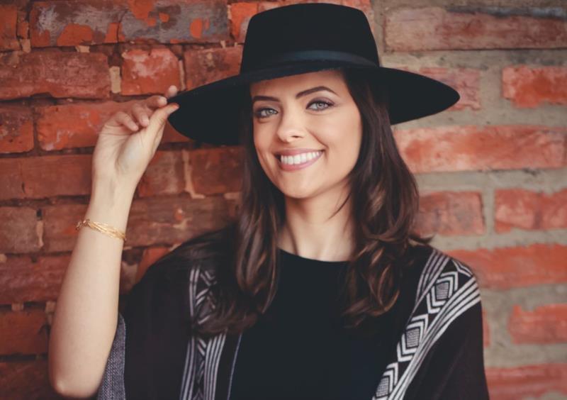 Alexandra Oliveira Keller tem 29 anos