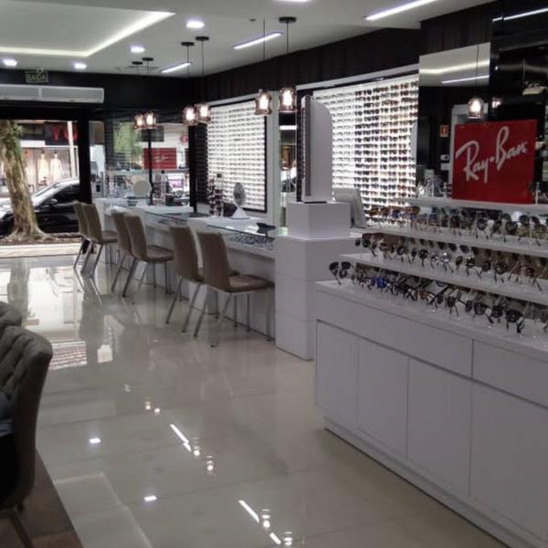 Bellart dispõem de um variado mix de produtos no ramo óptico e joalheiro em Santa Cruz