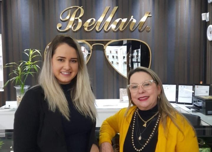 Camila Froemming, gerente da unidade Santa Cruz ao lado de Ângela Mabilia, proprietária da Bellart em Santa Maria