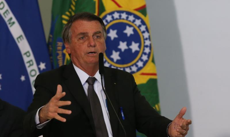 Bolsonaro afirma que deve vetar dinheiro para o fundo eleitoral