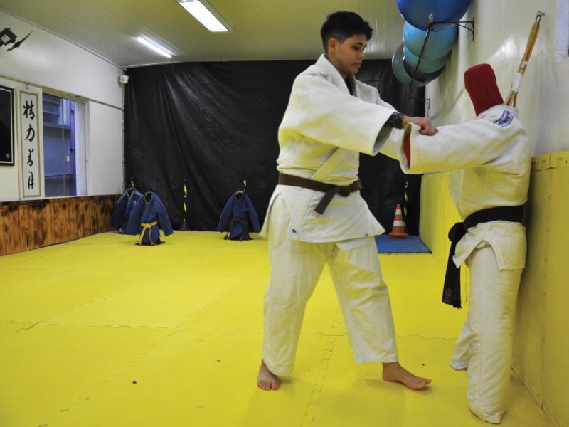 Judoca santa-cruzense realiza três vezes por semana treinamentos no União Corinthians