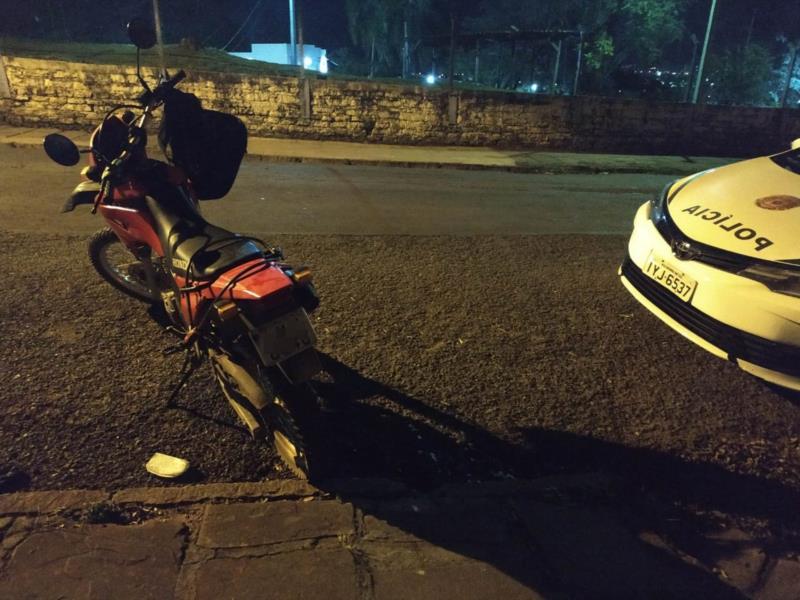 Motocicleta havia sido furtada no centro de Santa Cruz