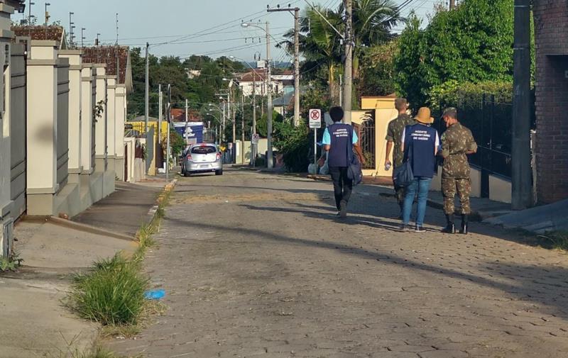 Ao todo, 12 agentes estarão mobilizados para fazer inspeções nos pátios e repassar orientações aos moradores