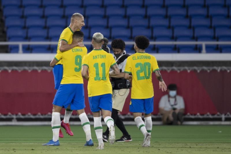 Brasil faz 4 a 2 sobre os alemães na reedição da final olímpica de 2016