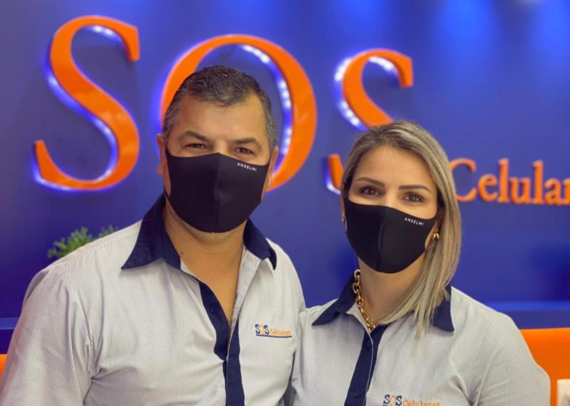 Adriano e Nadiane estão à frente da SOS Celulares desde agosto de 2016
