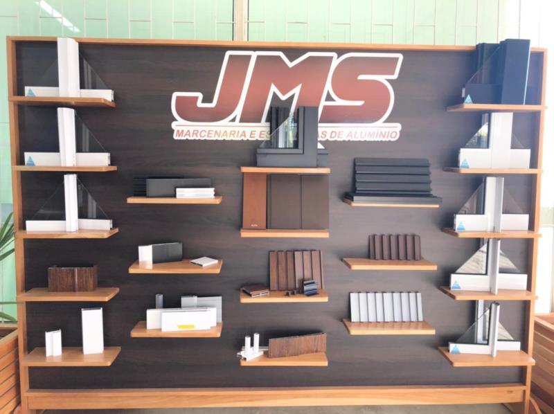 Qualidade, pontualidade e preço justo norteiam os trabalhos da JMS Marcenaria e Esquadrias em alumínio