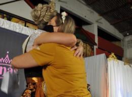 """""""Eu creio que seja o sonho de todas as mães"""", diz mãe de Luana Rech"""