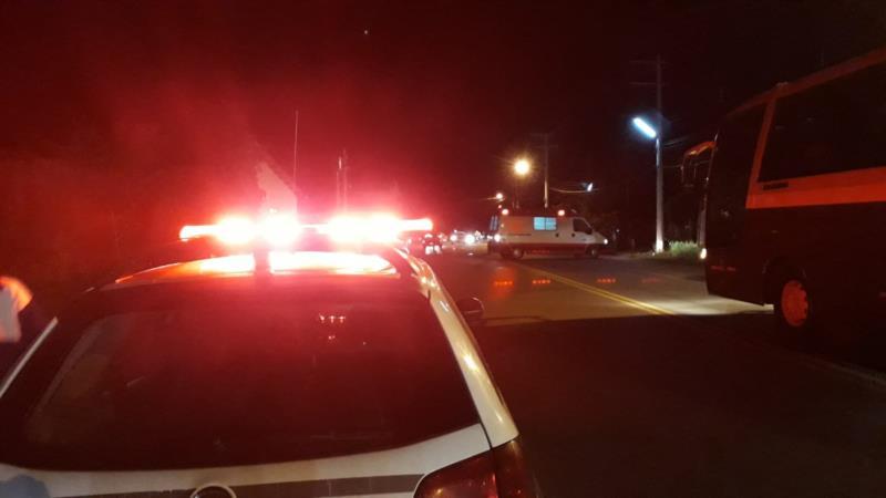 Acidente envolvendo motocicleta e pedestre ocorreu na Esquina Koelzer