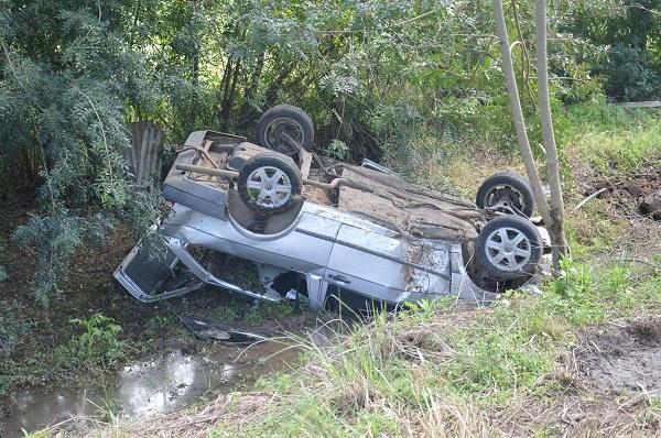 Acidente aconteceu na manhã deste sábado no local conhecido como Vila dos Balaieiros