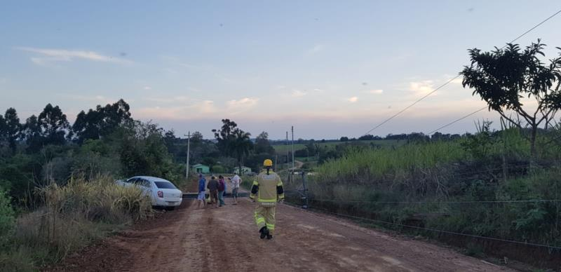 Trânsito está interrompido na estrada de Entre Rios e não tem previsão de liberação