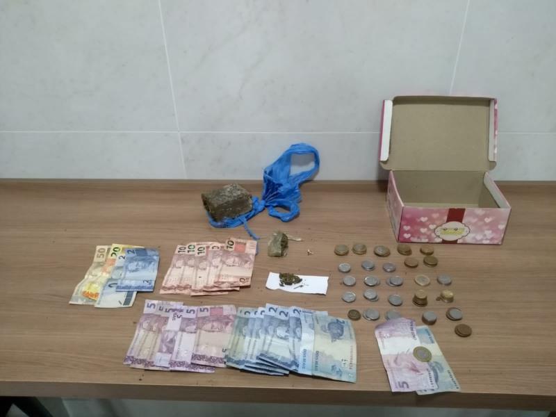 Brigada Militar também apreendeu drogas e dinheiro na noite deste sábado