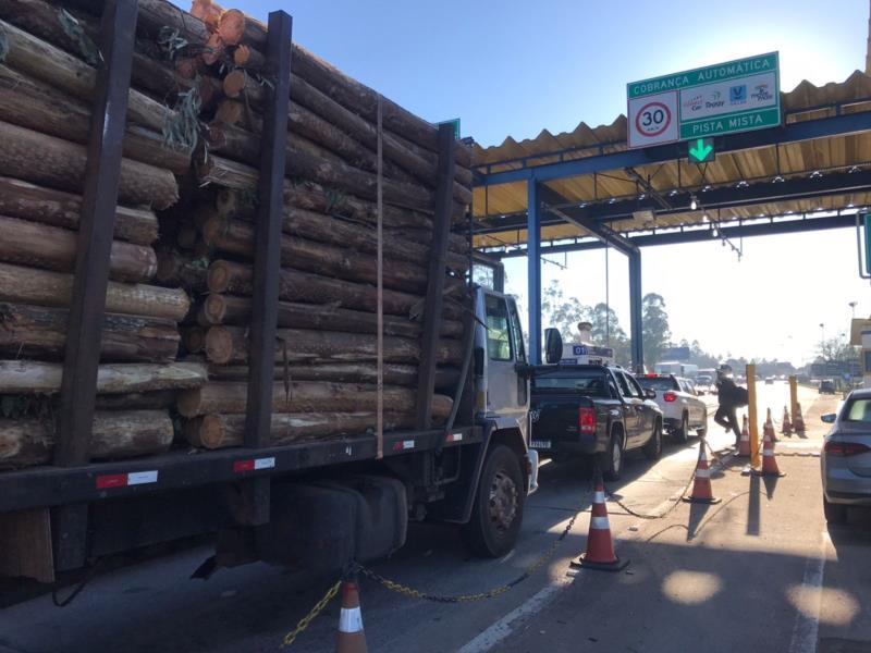 Lentidão no trânsito é registrada nos dois sentidos da rodovia, no dia em que a Rota de Santa Maria assume RSC-287