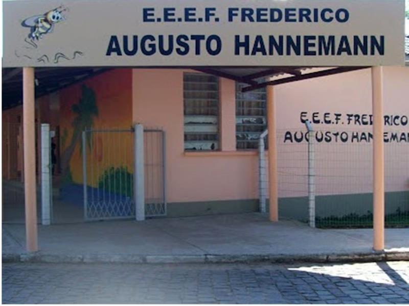 Escola está situada na localidade de Vila Progresso
