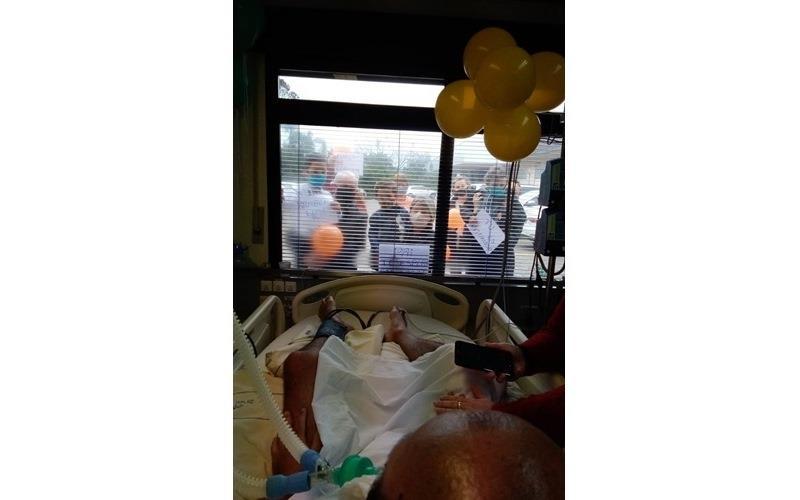 Familiares fizeram homenagem ao paciente