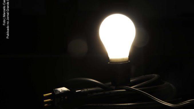 Custo de 100 kilowatt-hora passará de R$ 9,49 para R$ 14,20 até abril