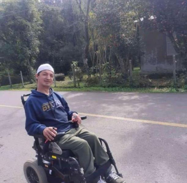 Custo para a reforma da cadeira de rodas está avaliado em R$ 4.713